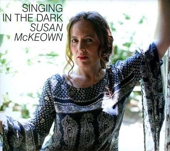 MCKEOWN, SUSAN - SINGING IN THE DARK